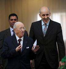 Beji Caid Essebsi et son porte-parole Moez Sinawi - photo (AFP)