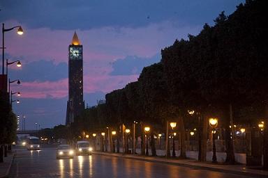 Arrestation de jeunes femmes dans un bar tunis le for Ministere exterieur tunisie