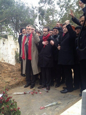 Jean Luc Melenchon au cimetière Jellaz pour rendre hommage à Chokri BelAid, Tunis 10 février 2013 - photo (Etienne MMJ)