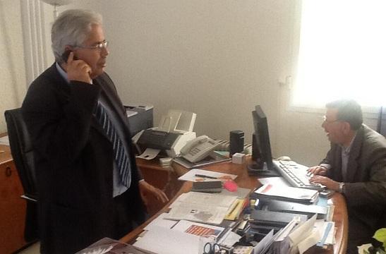 Le doyen Kazdaghli dans son bureau, 02-05-13 - photo (David Thomson)