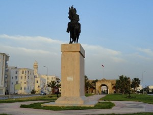 Statue Bourguiba (photo - panoramio.com)