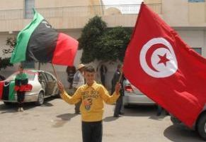 Drapeau-de-la-libye-et-de-la-Tunisie-photo-magharebia.com_