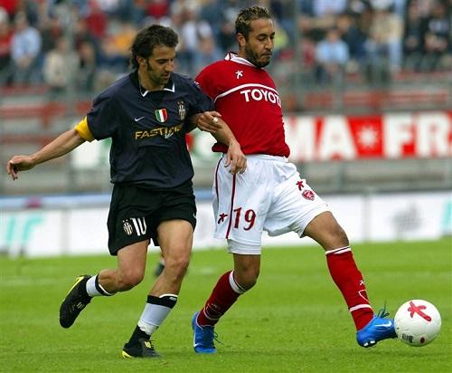 Saadi Kadhafi (sous le maillot rouge de Pérouse) a joué 15' contre la Juventus de Del Piero (crédit photo Reuters)