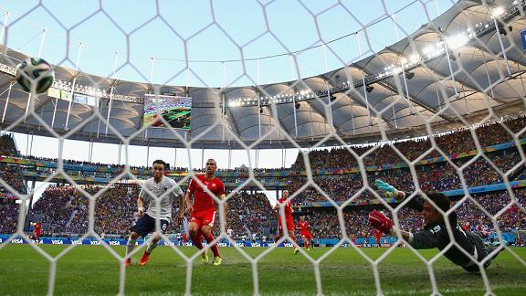 France - Suisse (credit photo - FIFA.com)