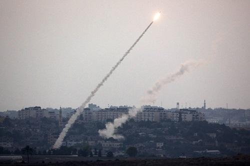 TOPSHOTS-PALESTINIAN-ISRAEL-GAZA-CONFLICT