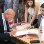 Élections présidentielles 2014 : Ahmed Néjib Chebbi dépose son dossier de candidature à l'Isie