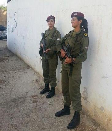 Femmes militaires @khaledcoolone