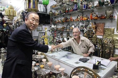 SG ONU - commerçants de la medina (crédit photo : page Facebook gouvernement)