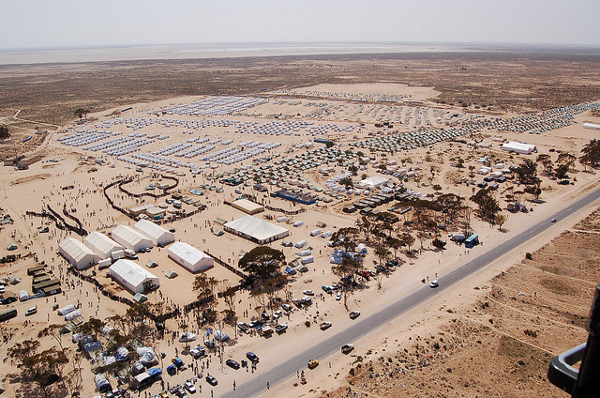 Le camp de Choucha en mars 2011. Crédit image : Major Soussi, Citizen59 sur Flickr)