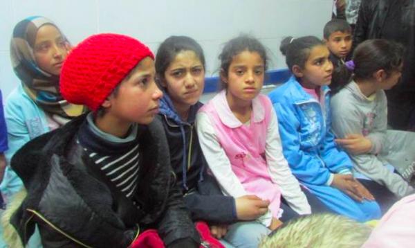 Des élèves de la cité El Karma à l'hôpital de Kasserine. WEBDO.tn