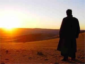 Homme-dans-le-desert