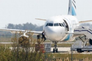 Avion égyptien détourné