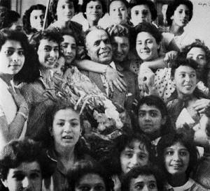 Bourguiba-et-les-femmes-1957-photo-peraxvilo.over-blog.com_