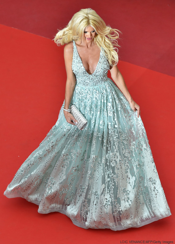 """Swedish model and actress Victoria Silvstedt poses on May 13, 2016 as she arrives for the screening of the film """"Ma Loute (Slack Bay)"""" at the 69th Cannes Film Festival in Cannes, southern France. / AFP / LOIC VENANCE (Photo credit should read LOIC VENANCE/AFP/Getty Images)"""