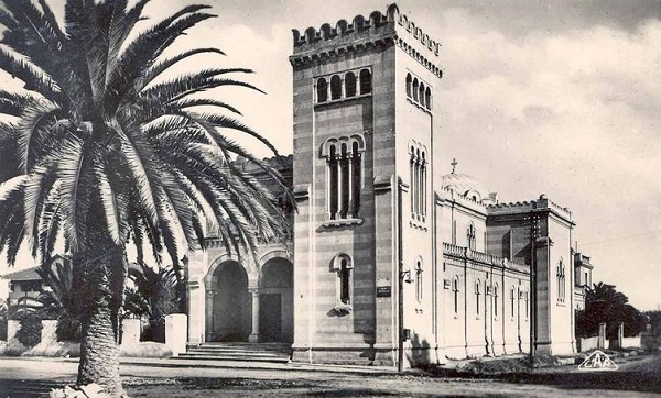 Eglise Jeanne d'Arc, photo CAP - collection Mohamed Hamdene