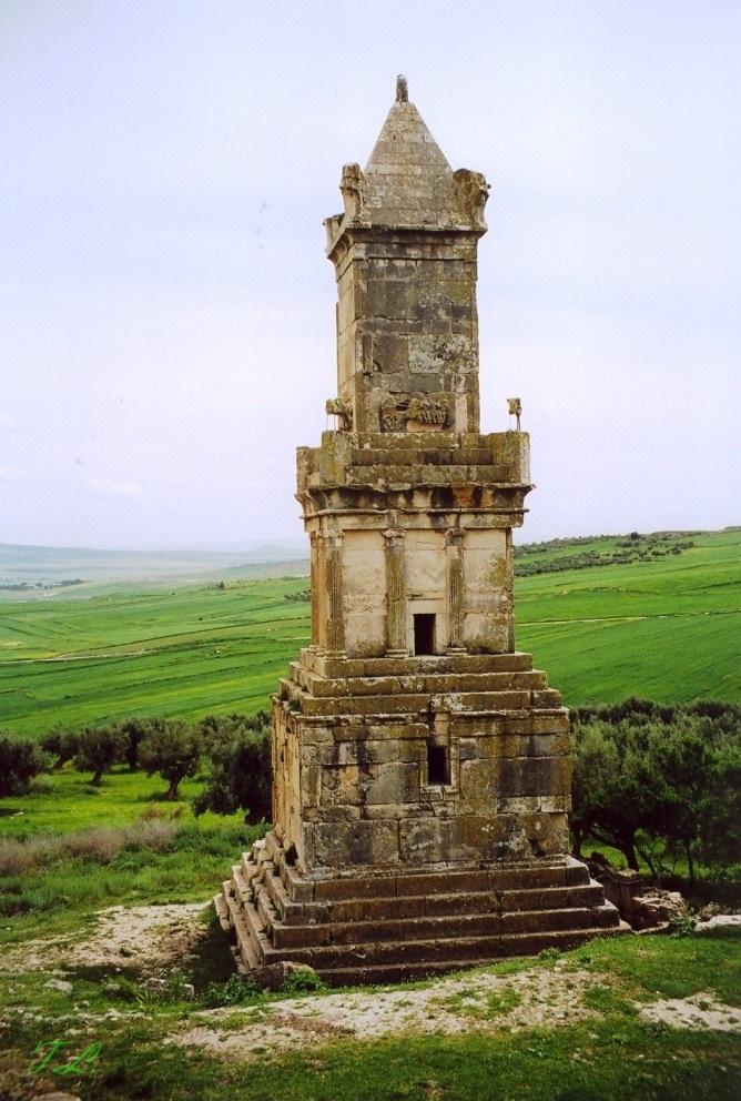 dougga-mausolee-libyco-punique