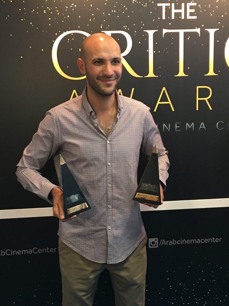 Mohamed Diab et ses deux trophées pour son film Clash