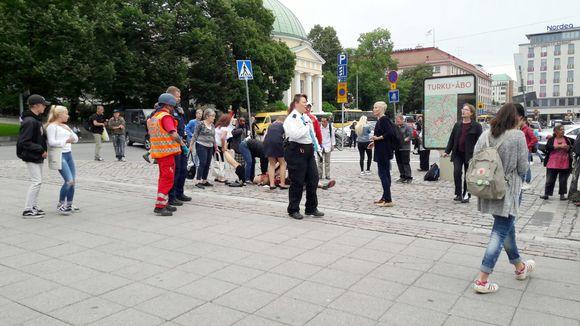 Plusieurs personnes poignardées à Turku, une arrestation — Finlande