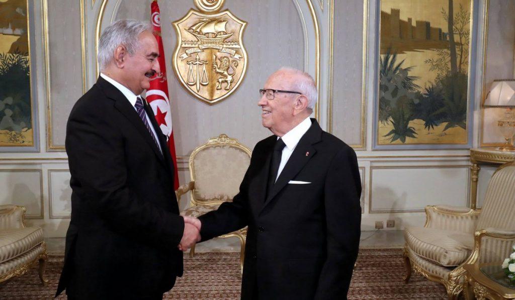 Rencontre entre Beji Caïd Essebsi et le général Khalifa Haftar — Crise libyenne