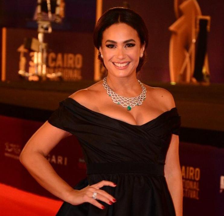 Hend Sabry au Festival International du Film du Caire