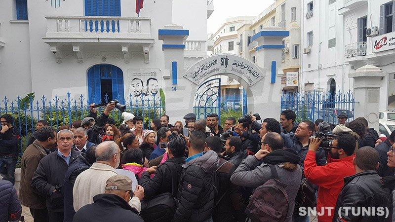 Enquête judiciaire sur un policier pour avoir menacé les journalistes — Sfax