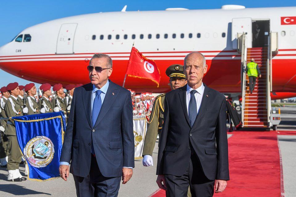 Erdogan en visite surprise à Tunis